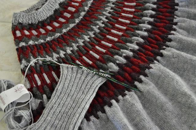 Fair isle sweater/poncho https://www.jgknits.com/2020/04/swonchoing.html
