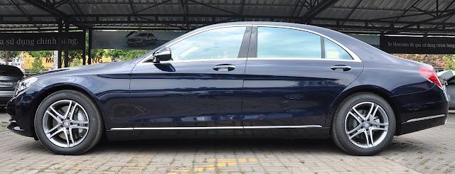 Thân xe Mercedes S400 L được kéo dài tăng thêm vẻ lịch lãm