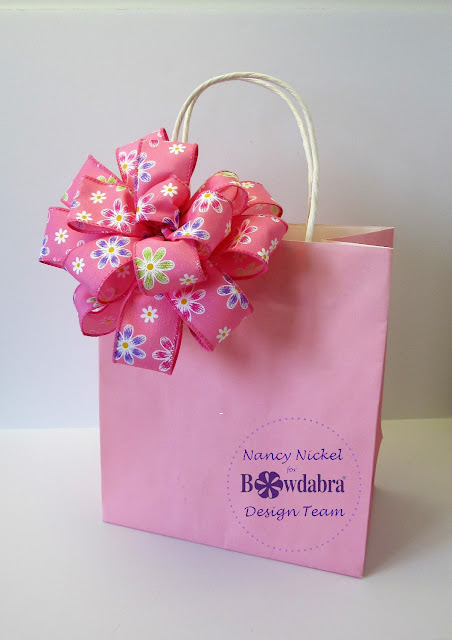 Beautiful gift bag bow