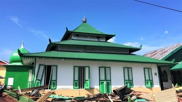 Dihantam Tsunami, Masjid Al Amiin Donggala Masih Berdiri Kokoh