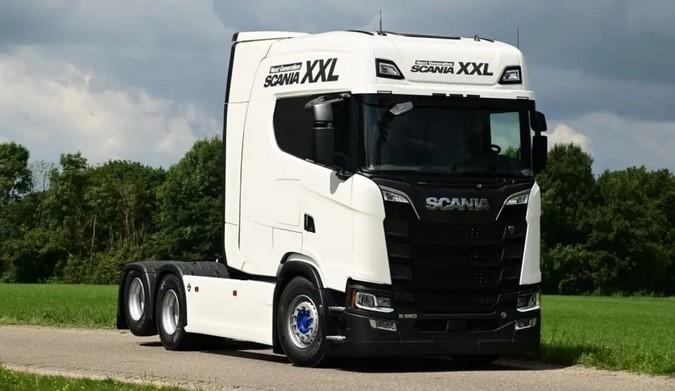 Scania-S580-XXL-6x2_2.jpg