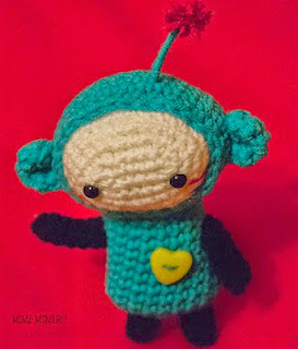 http://translate.googleusercontent.com/translate_c?depth=1&hl=es&rurl=translate.google.es&sl=ru&tl=es&u=http://mimi-mimi.ru/shemi-opisaniya-master-klassi/amigurumi/203-inoplanetyanka-apa&usg=ALkJrhipiwjE56O5qVh4Qxngxe-psPou2g