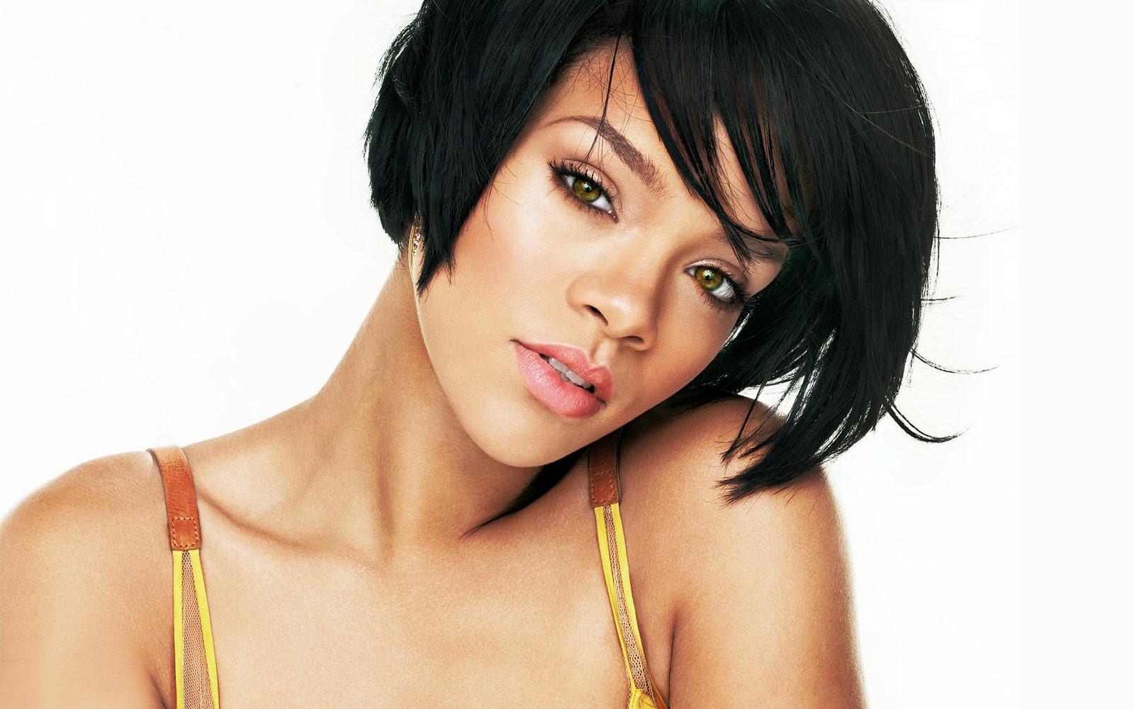 Rihanna: Hot Girl :Rihanna