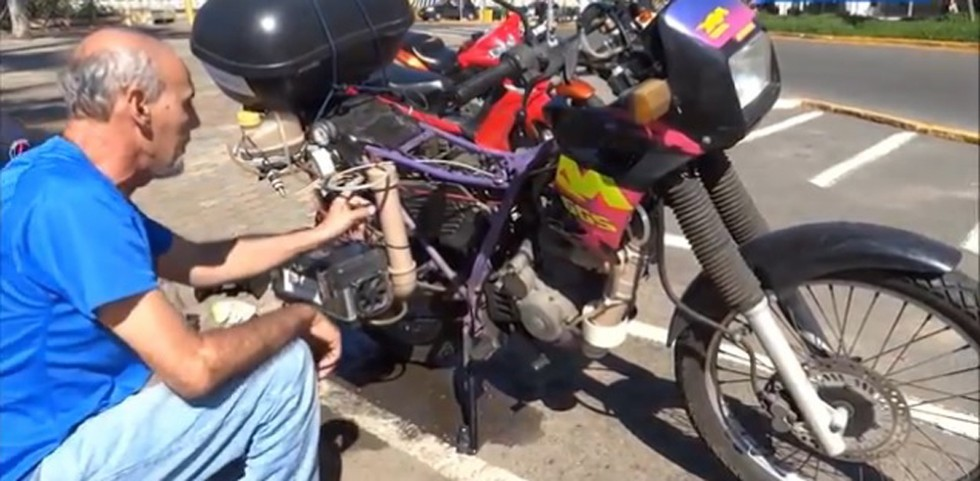 This Brazilian Man Built A Motorcycle That Can Travel Over 300 Miles On One Liter Of Water