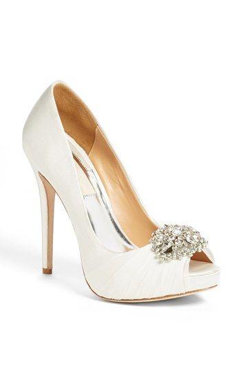Zapato de novia bonito