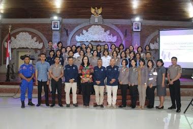 Santy Sastra Berikan Materi Public Speaking Pada Kegiatan Peningkatan Kemampuan Pengetahuan Dalam Bidang Komunikasi Personel Polda Bali