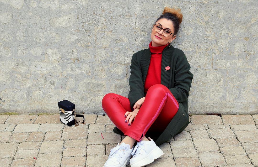 Rote-Lederhose-Outfit-3
