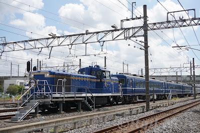 南栗橋駅引き上げ線停車中のDE10形と14系客車