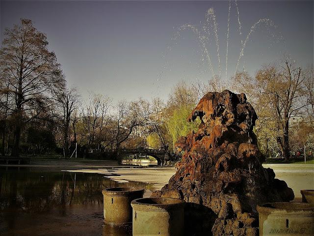 Fountain on Cișmigiu Lake