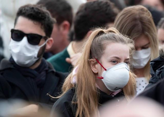 Katalóniában minden nyilvános helyen kötelező lesz szájmaszkot viselni