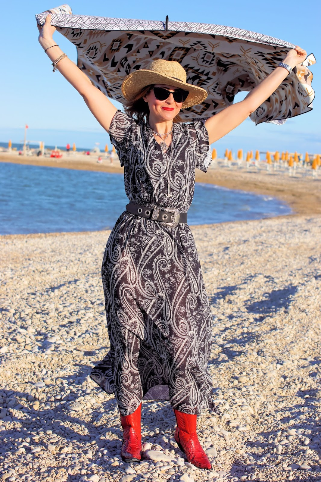 A day at the beach with my Tesalate Beach Towel on Fashion and Cookies fashion blog, fashion blogger