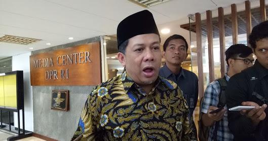 Fahri Hamzah Ngotot KPK Mesti Dibubarkan Karena Negara Tidak Punya Uang