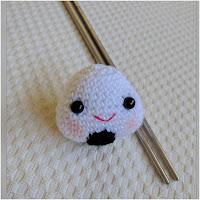 http://amigurumislandia.blogspot.com.ar/2019/10/amigurumi-onigiri-crochet-y-amigurumis.html