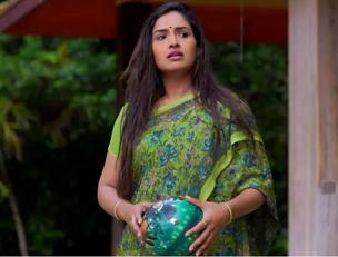 actress Vidya Mohan in Unnimaya