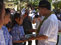Pemkot Kupang Peduli Terhadap Pendidikan, 58.459 Dapat Seragam Gratis