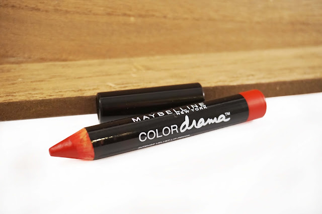 Maybelline Color drama Essential Red