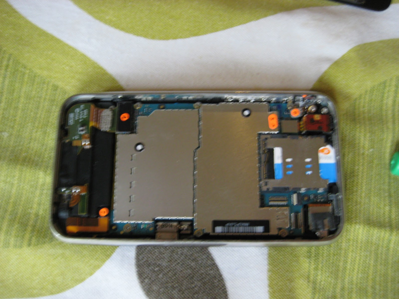 C.R.A.F.T. # 76: How To Replace A Broken/ Cracked IPhone