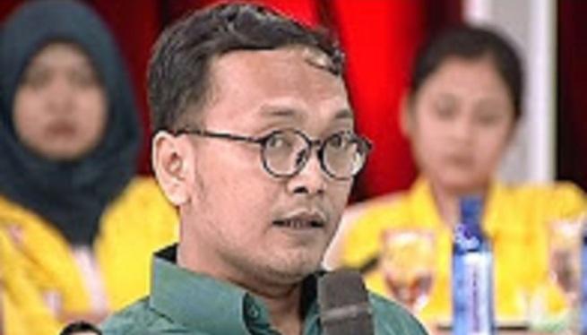 Guntur Romli : Bisa Jadi Dana 100M untuk Demo Berasal dari Lawan Politik Ahok dan Jokowi