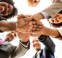 Pengertian Employee Engagement, Aspek, Prinsip, Karakteristik, Faktor, Tingkatan, dan Cara Menciptakannya