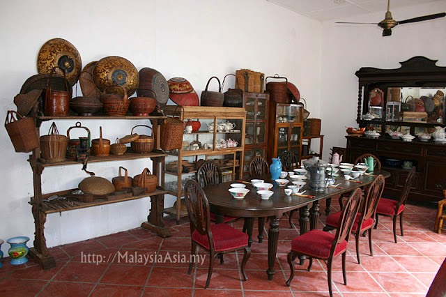 Kitchen for Peranakan People