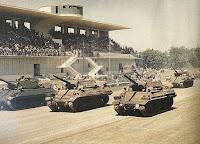 monza carriarmati tank americani in sfilata Sherman