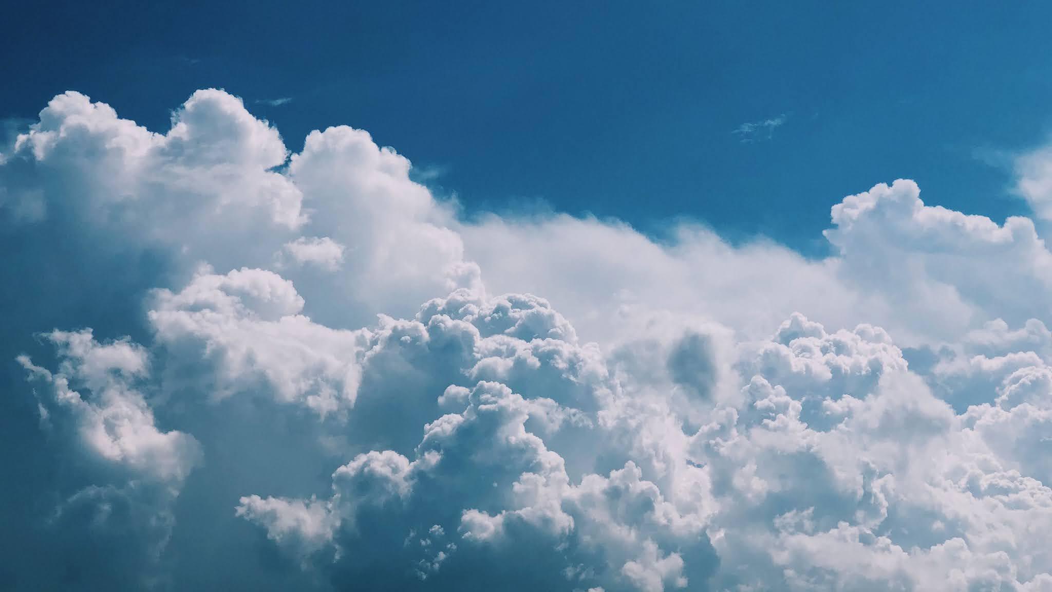 Wallpaper Beautiful Blue Sky Clouds
