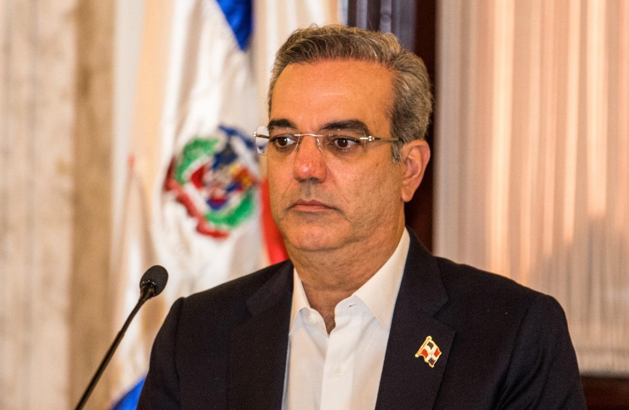Presidente Abinader extiende el toque de queda hasta el 22 de diciembre