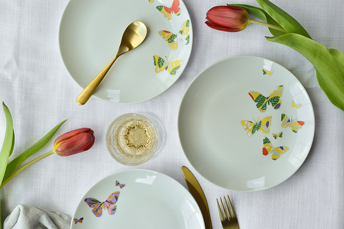 3 Fast and Easy Vinyl Projects To Make With Cricut Joy - butterfly plates