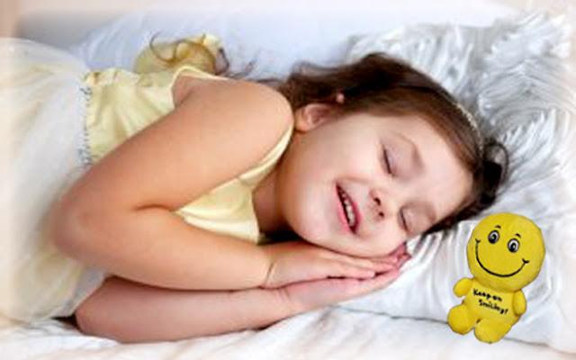 الاسباب التى تجعلنا نضحك اثناء النوم