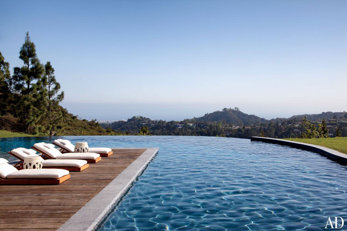 Celebrity homes dr dre tom brady and gisele bundchen 39 s for The brentwood
