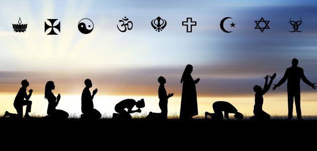 الانحدار العالمي نحو الدين
