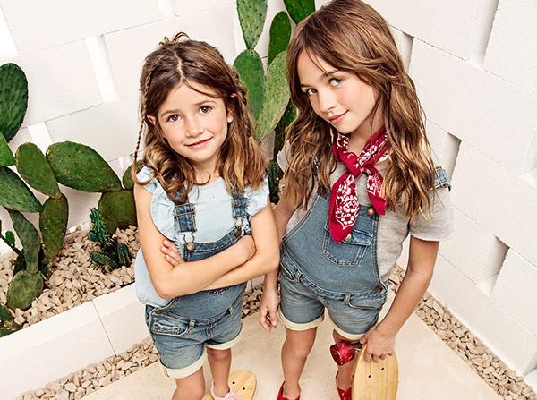 Moda infantil primavera verano 2018 Paula Cahen D'Anvers Niños. Enteritos de jeans primavera verano 2018.