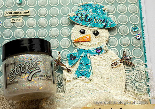 Layers of ink - Snowman with DIY snow tutorial by Anna-Karin Evaldsson. Add Stickles to the snowman.