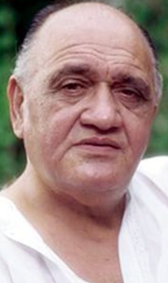 Om Prakash actor, movies, family photo, family, wiki, biography, age