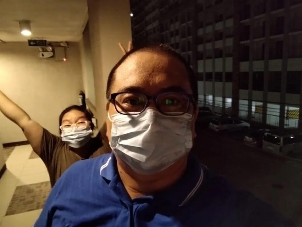 TCL 20 SE Camera Sample - Night Selfie