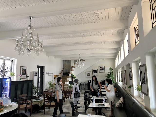 Suasana interior Oud En Niew