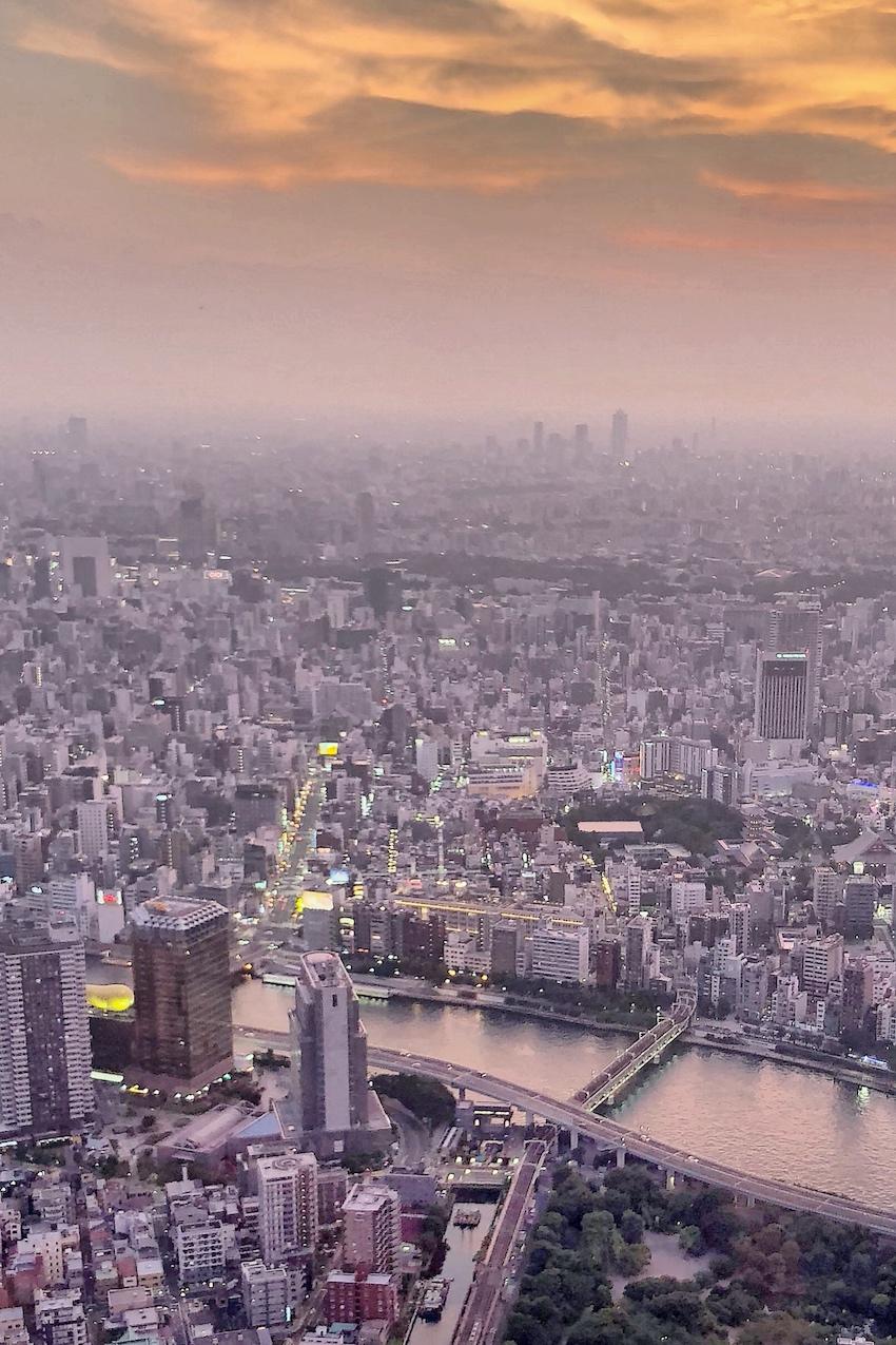 Sonnenuntergang über Tokio 2