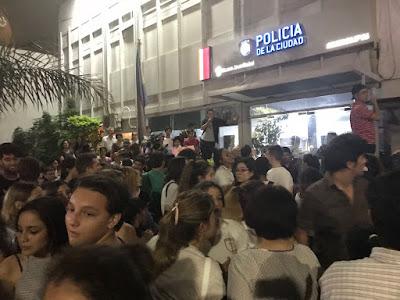 Crece y crece la inseguridad en la era Macri: violaron a una nena de 13 años, a las 11 de la mañana, a plena luz del día, en el barrio de Colegiales.