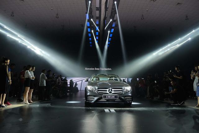 Là phiên bản cao nhất, mạnh nhất nên không khó hiểu khi Mercedes E350 AMG xuất hiện như một