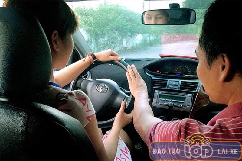 Học lái xe ô tô B1, B2, C cuối tuần [Thứ 7, Chủ nhật]