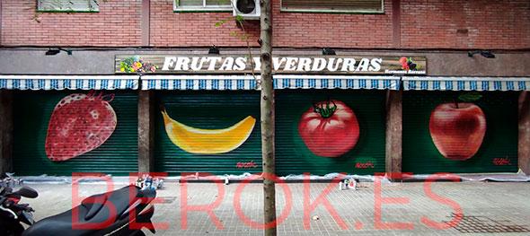 Graffiti frutas en una fruteria
