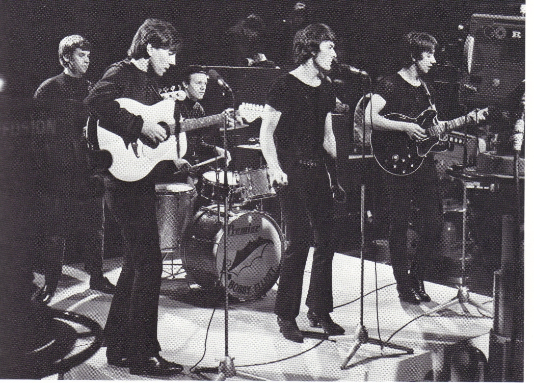 The hollies long cool woman in a black dress acordes cristianos