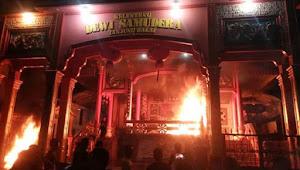 lima vihara di tanjungbalai dibakar warga