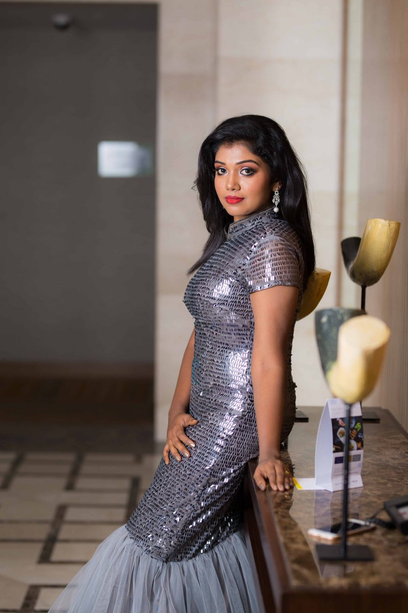 Actress Riythvika Latest HD Images