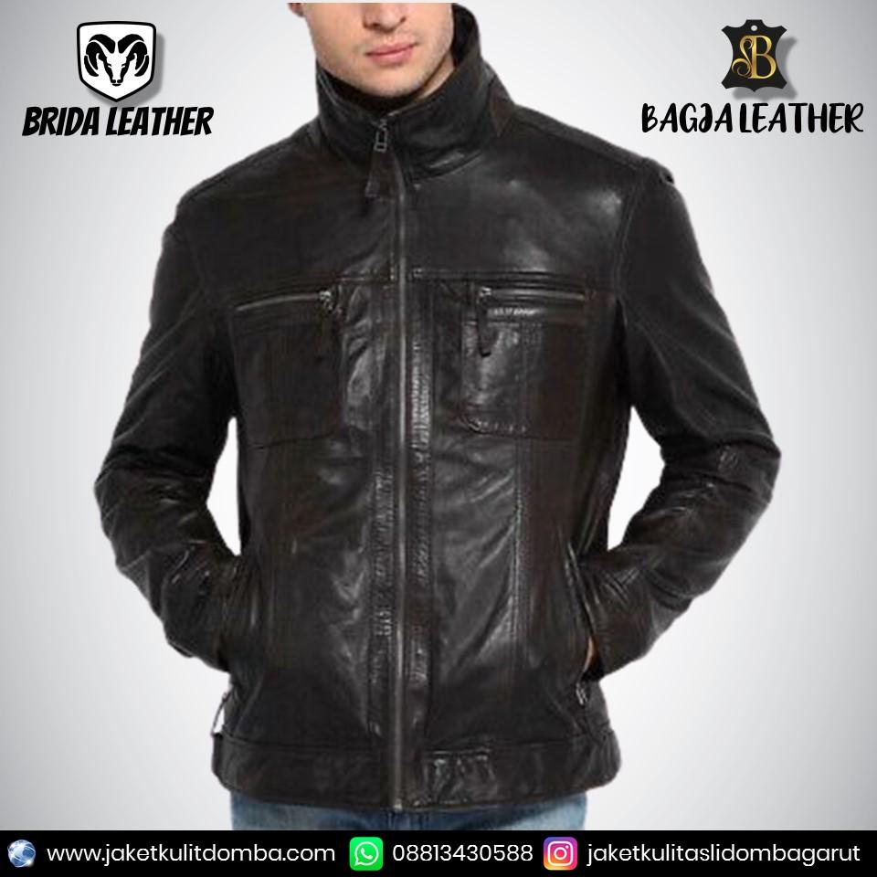 ariel pake jaket kulit