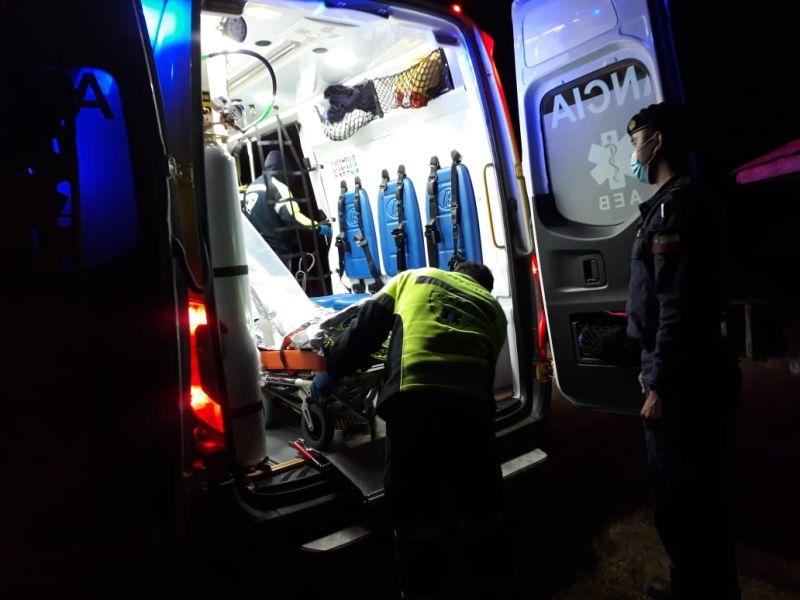 Armada rescató con vida a kayakista en Calbuco