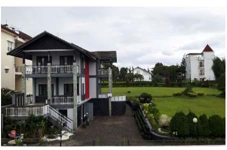 villa halaman luas murah di lembang