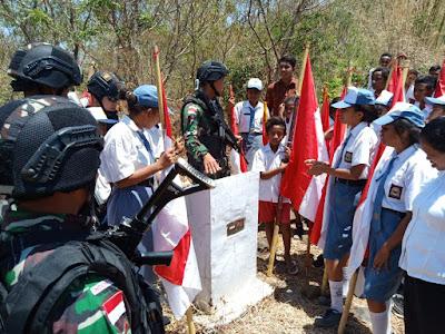 Satgas Yonif Raider 142/KJ Kenalkan Pilar Batas Negara Kepada Generasi Muda Penerus Bangsa