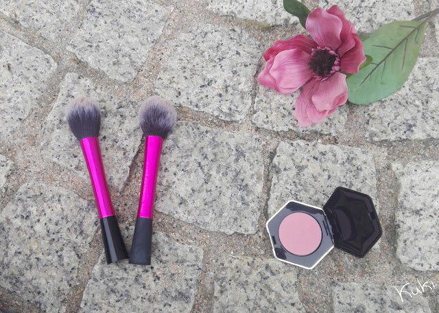 Blush Brush da Real Techniques e dupe do eBay