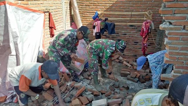 Kodim Sumbawa Bergerak Cepat Bantu Korban Bencana